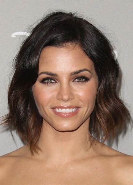 jenna-dewan-medium-straight-hairstyle
