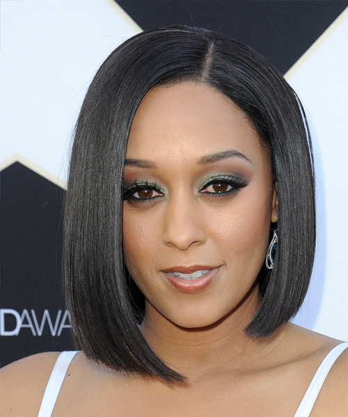 tia-mowry-medium-straight-bob-hairstyle