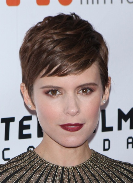 kate-mara-short-straight-hairstyle