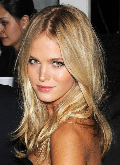 long-blonde-center-part-hairstyle