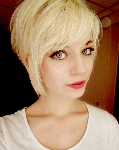 long-pixie-haircut-with-short-bangs