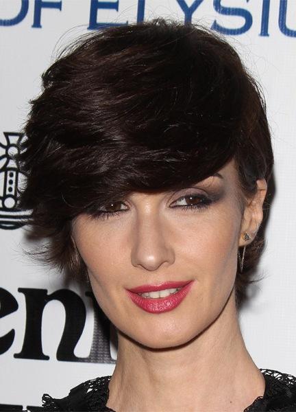 paz-vega-short-straight-hairstyle