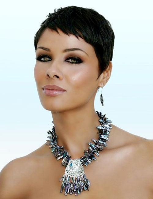 short-black-hairstyles-with-dark-color
