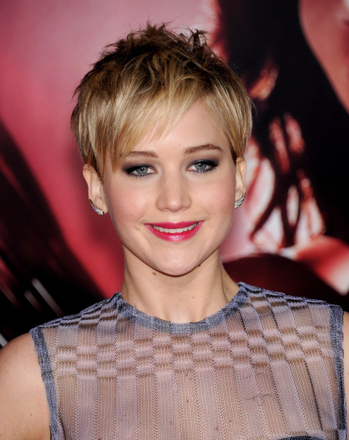 jennifer-lawrence-pixie-hairstyle-for-straight-hair