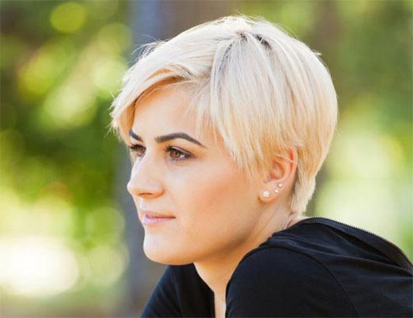 short-blonde-stylish-straight-hair