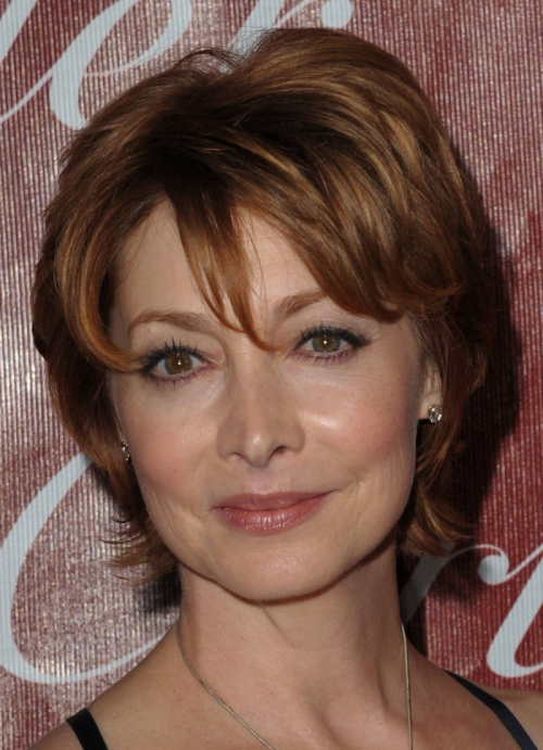 short-hairstyle-for-older-women