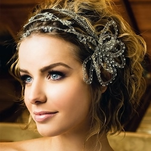 Wedding Hairstyle for Short Wavy Hair with Shinny Ornament