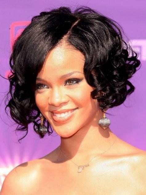 Rihanna's Curly Bob Haircut