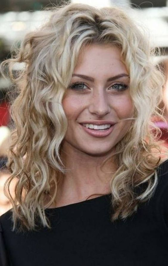 Medium Hairstyles for Fine Curly Hair