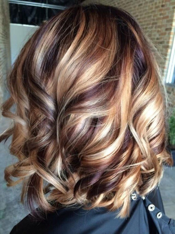 Medium Hair with Caramel Blonde Highlights