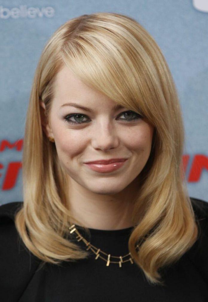 Blonde Wavy Hair with Side Bangs