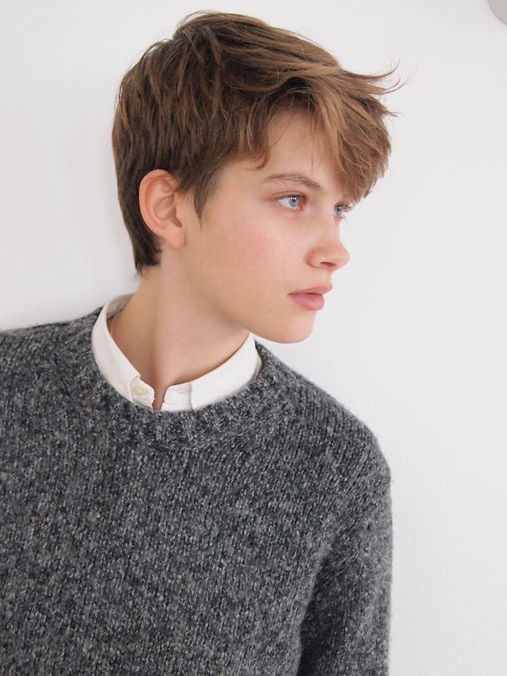 tomboy thin hair pixie haircut  novocomtop
