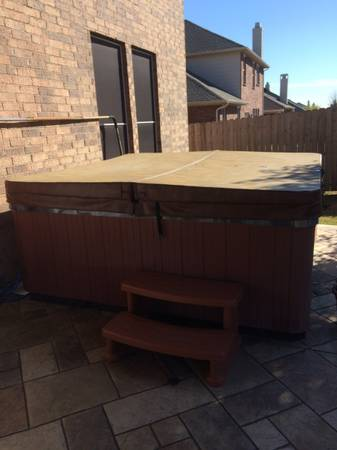 HOT TUB for sale by owner – Dr. Wellness Spa