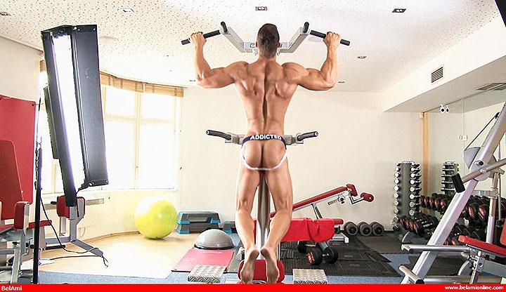 HUNGarian Summer Special: Kris Evans Naked Workout