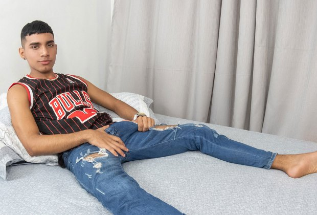 LatinBoyz: Hung 18 Year Old Colombian Boy Donte