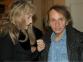 L'écrivain en compagnie d'Arielle Dombasle, lors du vernissage de Before Langing au Carré Baudouin, exposition présentée u 12 novembre 2014 au 31 janvier 2015.