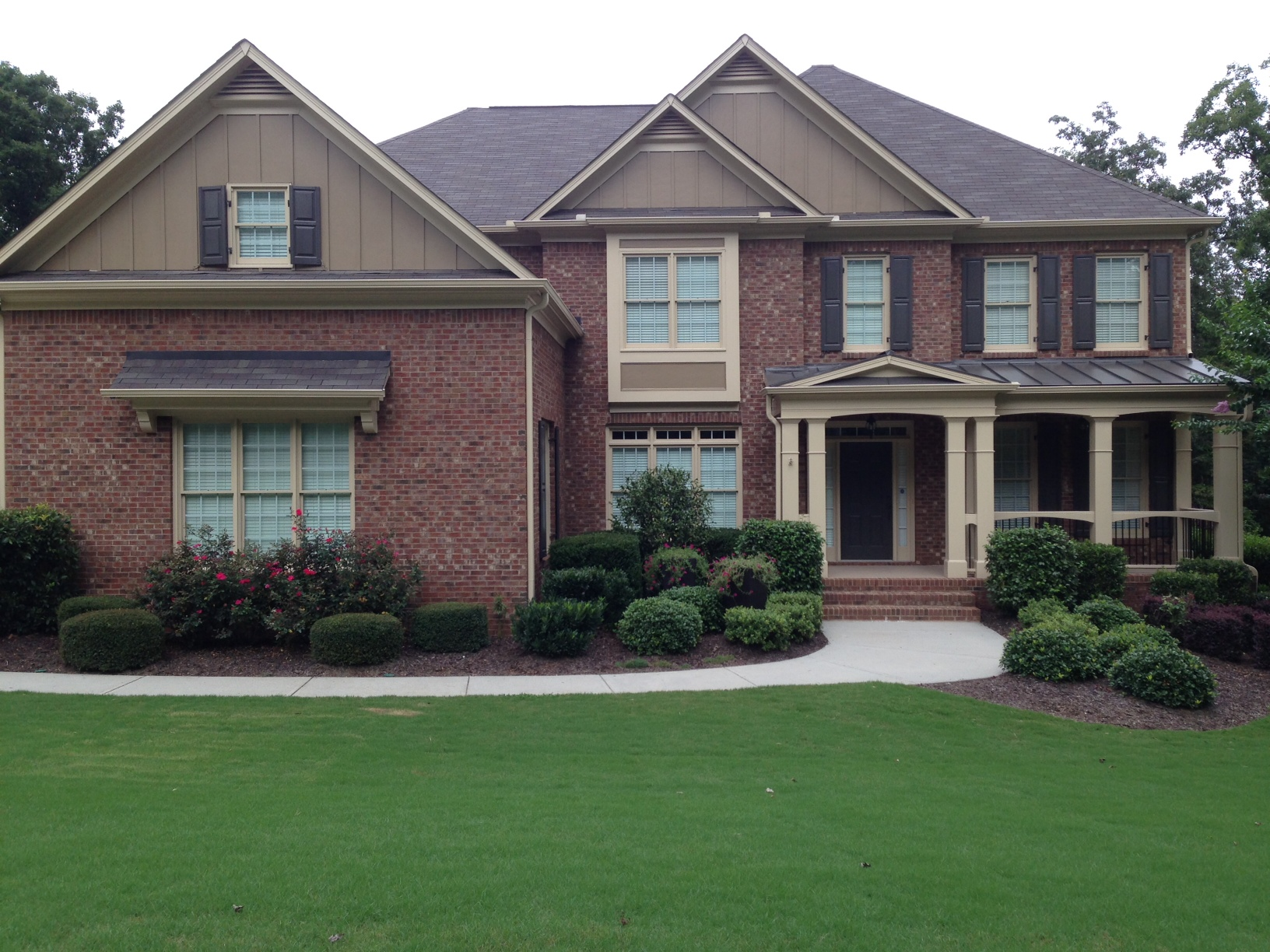 Exterior paint colors with red brick - give your house a ... on Brick House Painting Ideas  id=46735