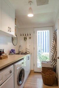 House-Nerd-laundry-makeover-renovation-70s-house