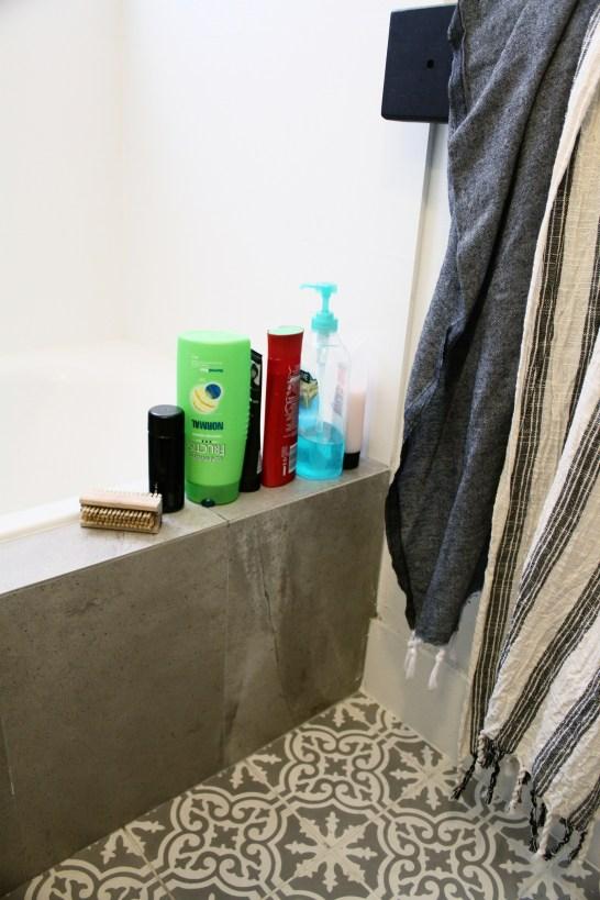 how-to-make-pretty-shampoo-bathroom-bottles-DIY-house-nerd-home