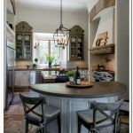 40 Adorable Farmhouse Dining Room Design And Decor Ideas (11)