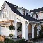 46 Awesome Farmhouse Home Exterior Design Ideas (15)