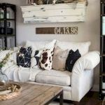 50 Cozy Farmhouse Living Room Design and Decor Ideas (34)