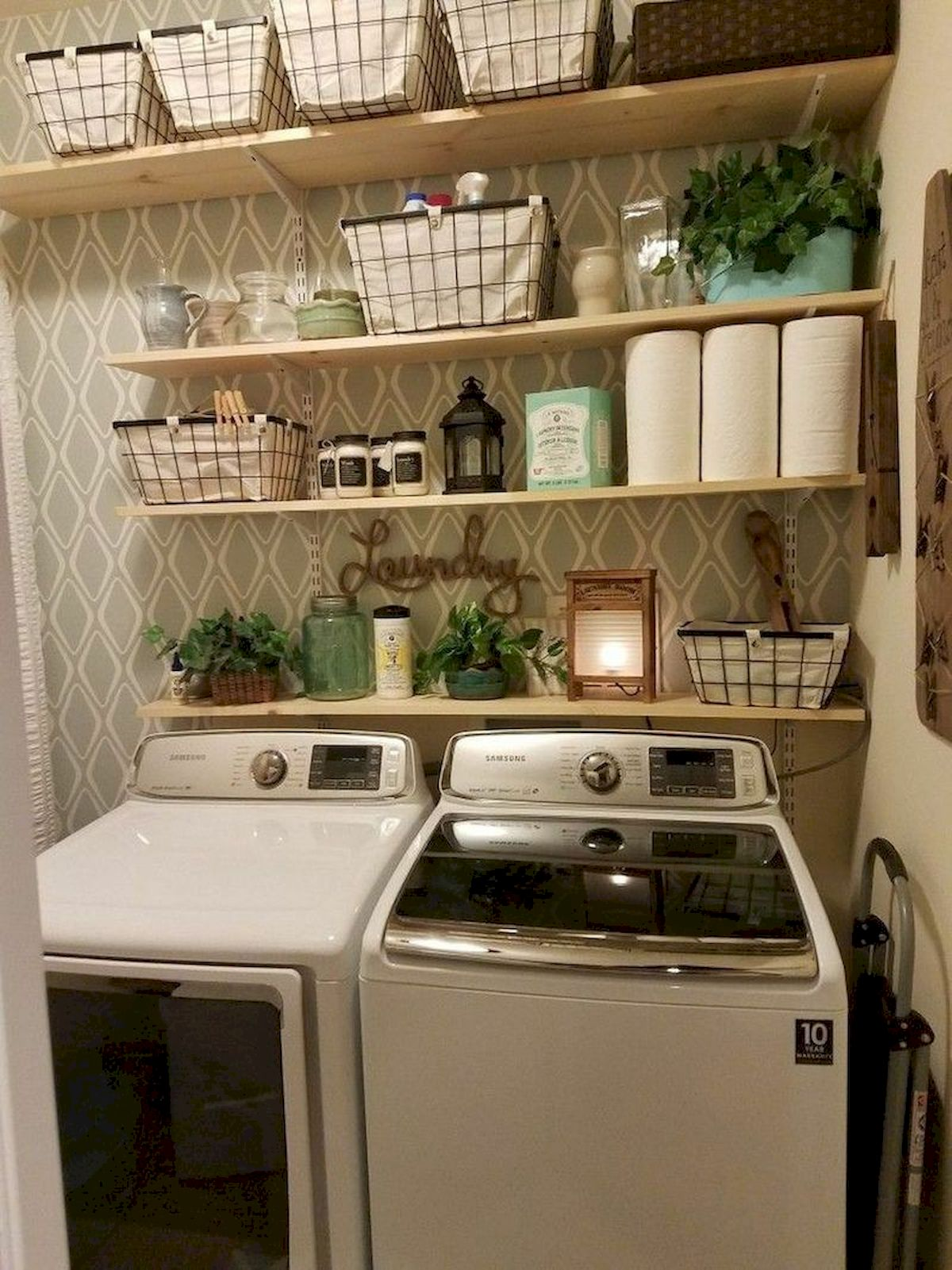 40 Cozy Laundry Room Design And Decor Ideas For Your Home (2)