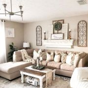 70 Awesome Wall Decoration Ideas for Living Room (26)