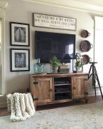 70 Awesome Wall Decoration Ideas for Living Room (31)