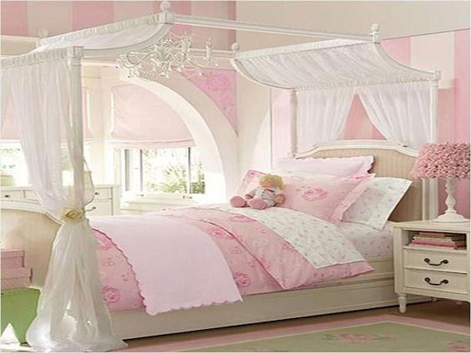 40 Cute Small Bedroom Design and Decor Ideas for Teenage ... on Teenage Small Bedroom Ideas  id=41611