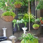 50 Awesome Modern Backyard Garden Design Ideas With Hanging Plants (23)