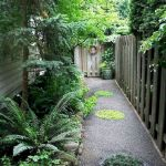 50 Beautiful Side Yard Garden Landscaping Ideas for Your House (11)