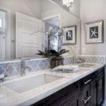 50 Awesome Modern Farmhouse Bathroom Remodel Ideas (15)