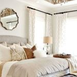 40 Classic Farmhouse Bedroom Design and Decor Ideas That Make Your Home Feel Great (21)