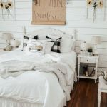 30 Cozy Fall Decoration Ideas For Your Bedroom (22)