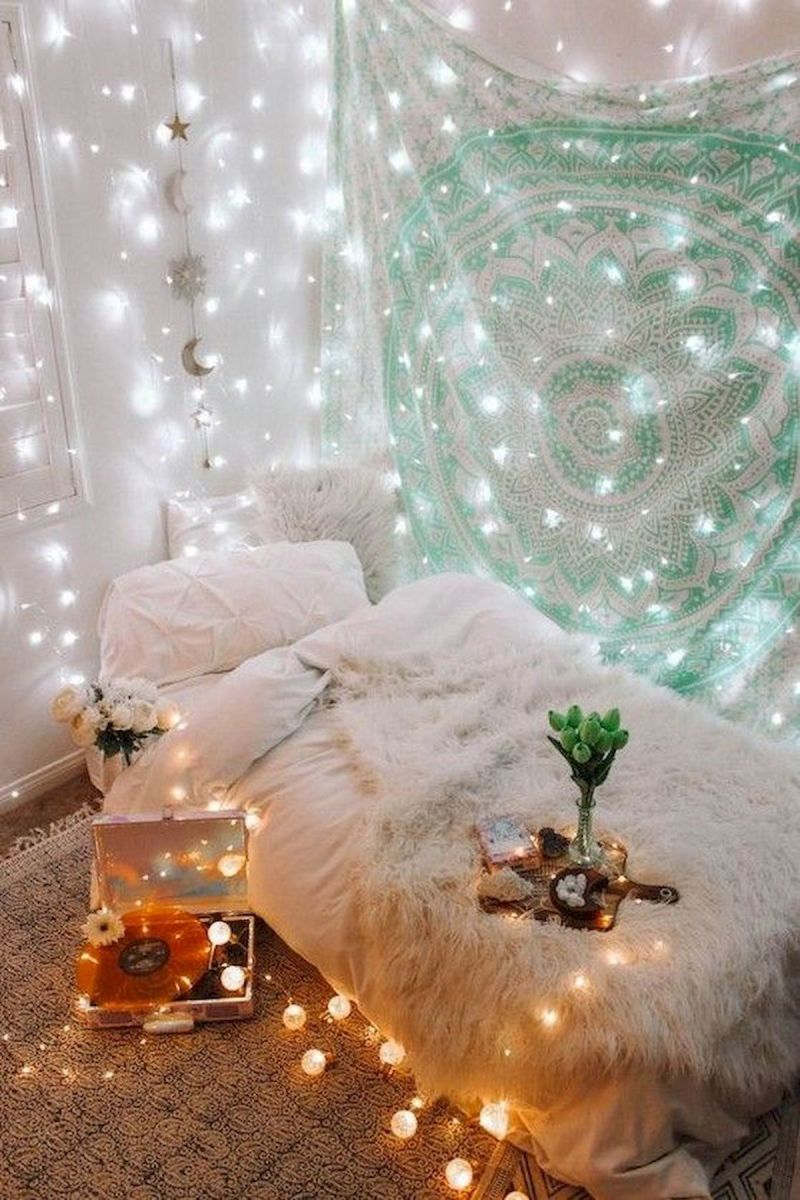 30 Cozy Fall Decoration Ideas For Your Bedroom (4)