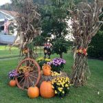 35 Cool Fall Outdoor Decor Ideas You Will Like (35)