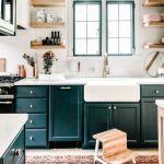 20 Best Farmhouse Kitchen Sink Decor Ideas (2)