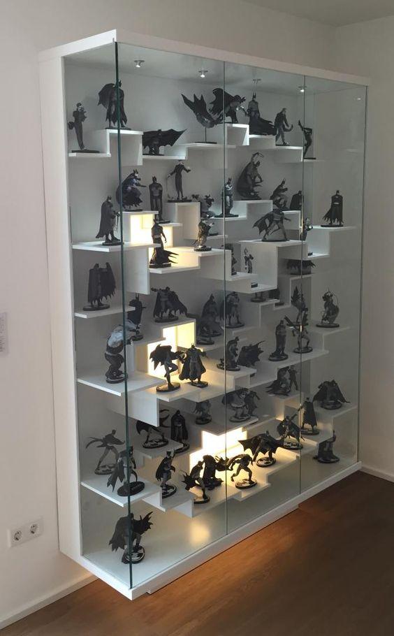DIY Figure Display Case