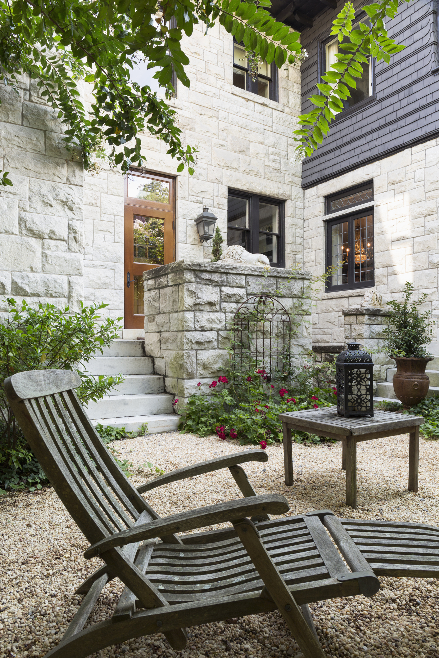 Courtyard gardens: how to get the wow factor all year round on Courtyard Patio Ideas id=94137
