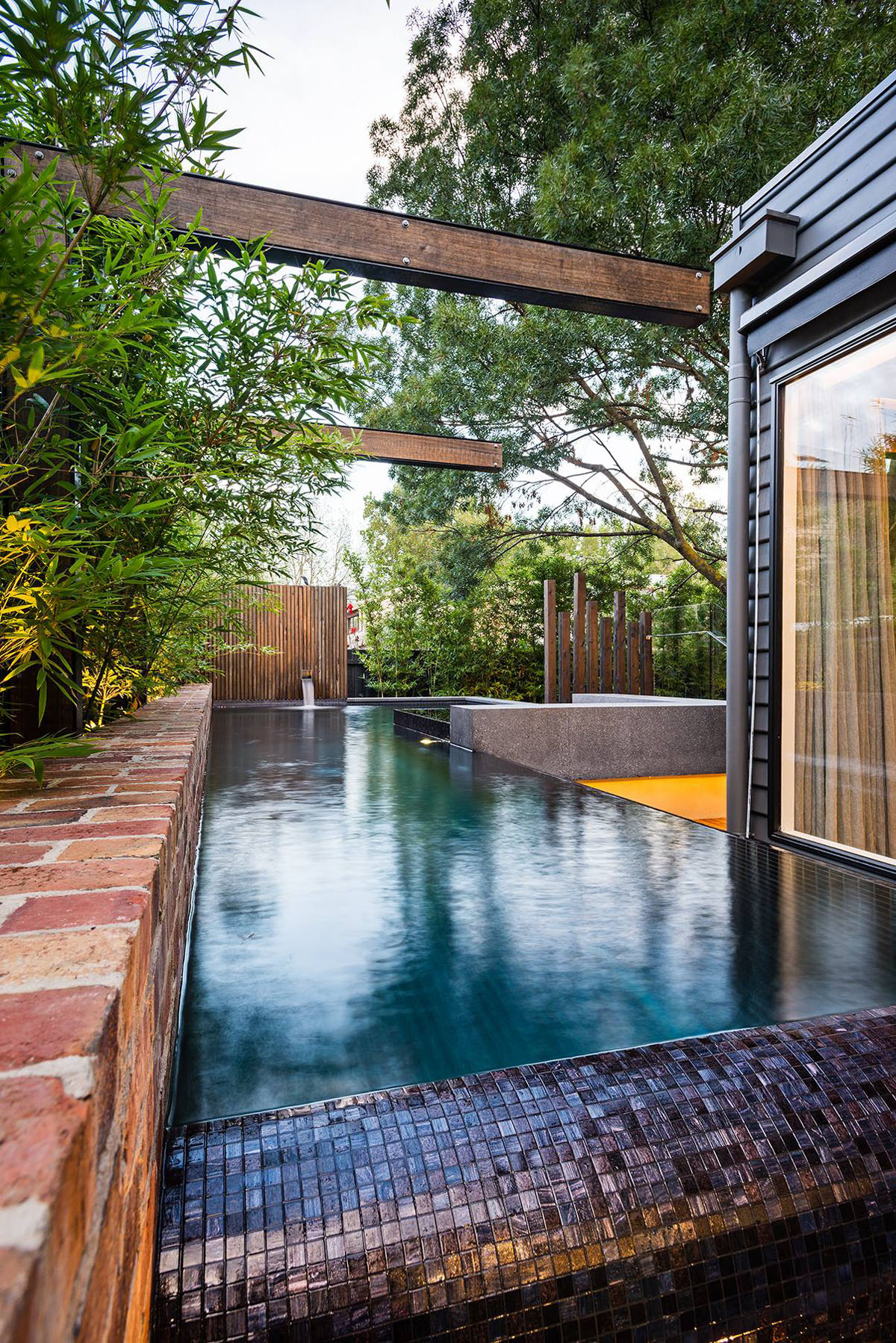 Inspiring Modern Backyard Ideas to Relax You at Home ... on Modern Backyard Ideas With Pool id=53993