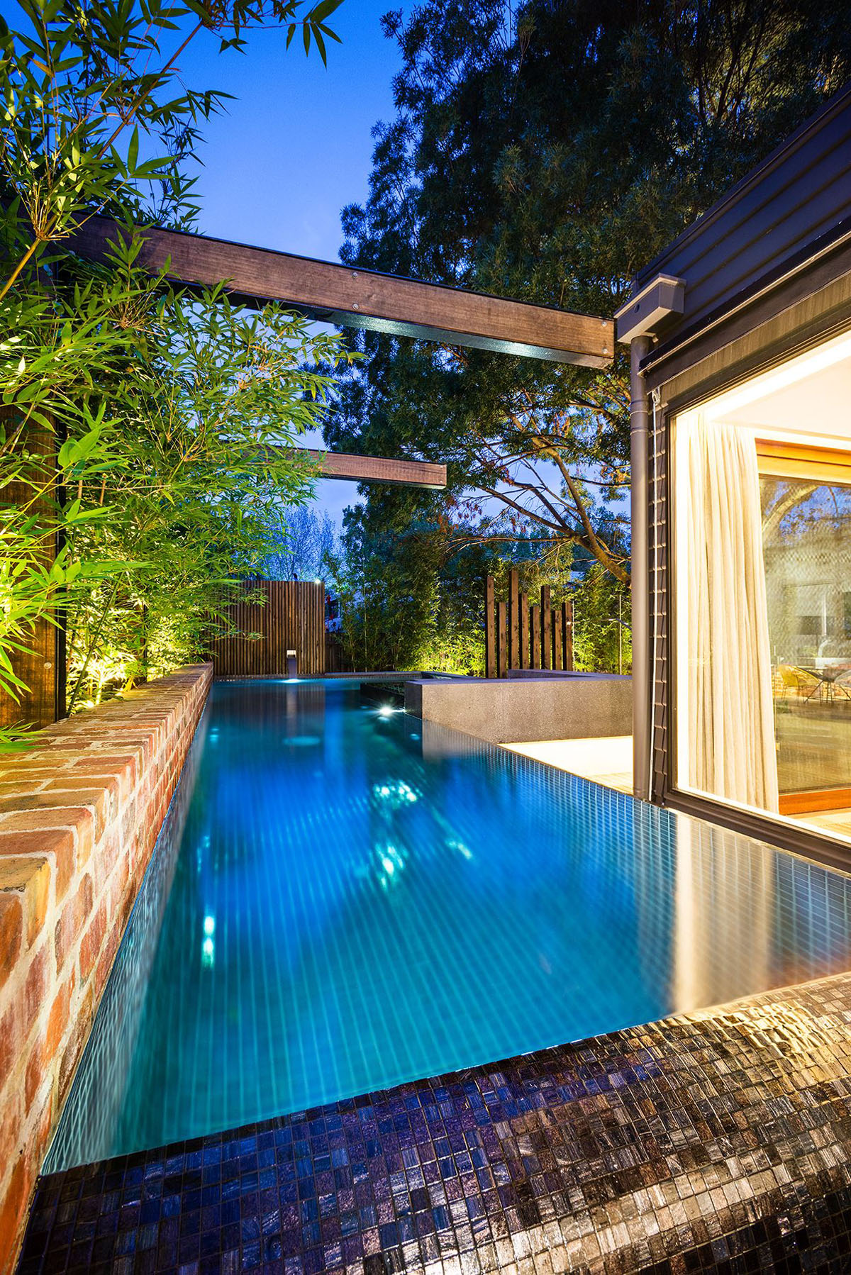 Inspiring Modern Backyard Ideas to Relax You at Home ... on Modern Backyard Ideas With Pool id=78517