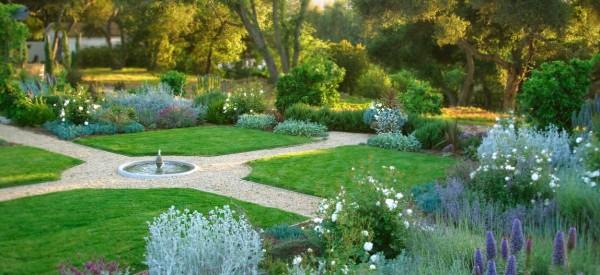 Picturesque Garden Decorations To Make Green Corner