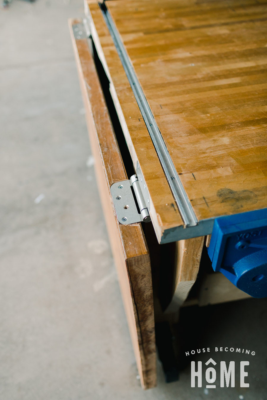 Hinged Side for Assembly Table
