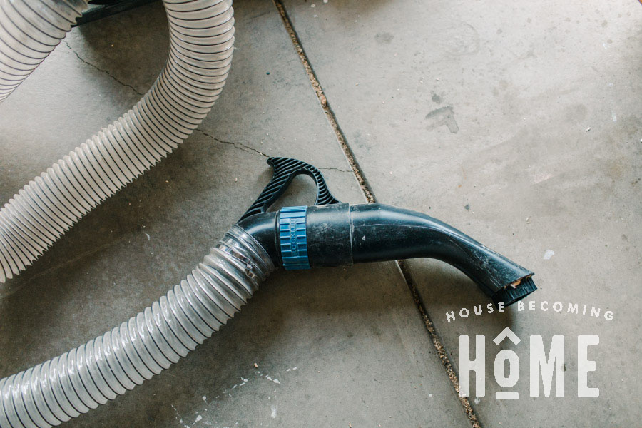 Dust Right Bench Nozzle for Easy Workshop Cleaning