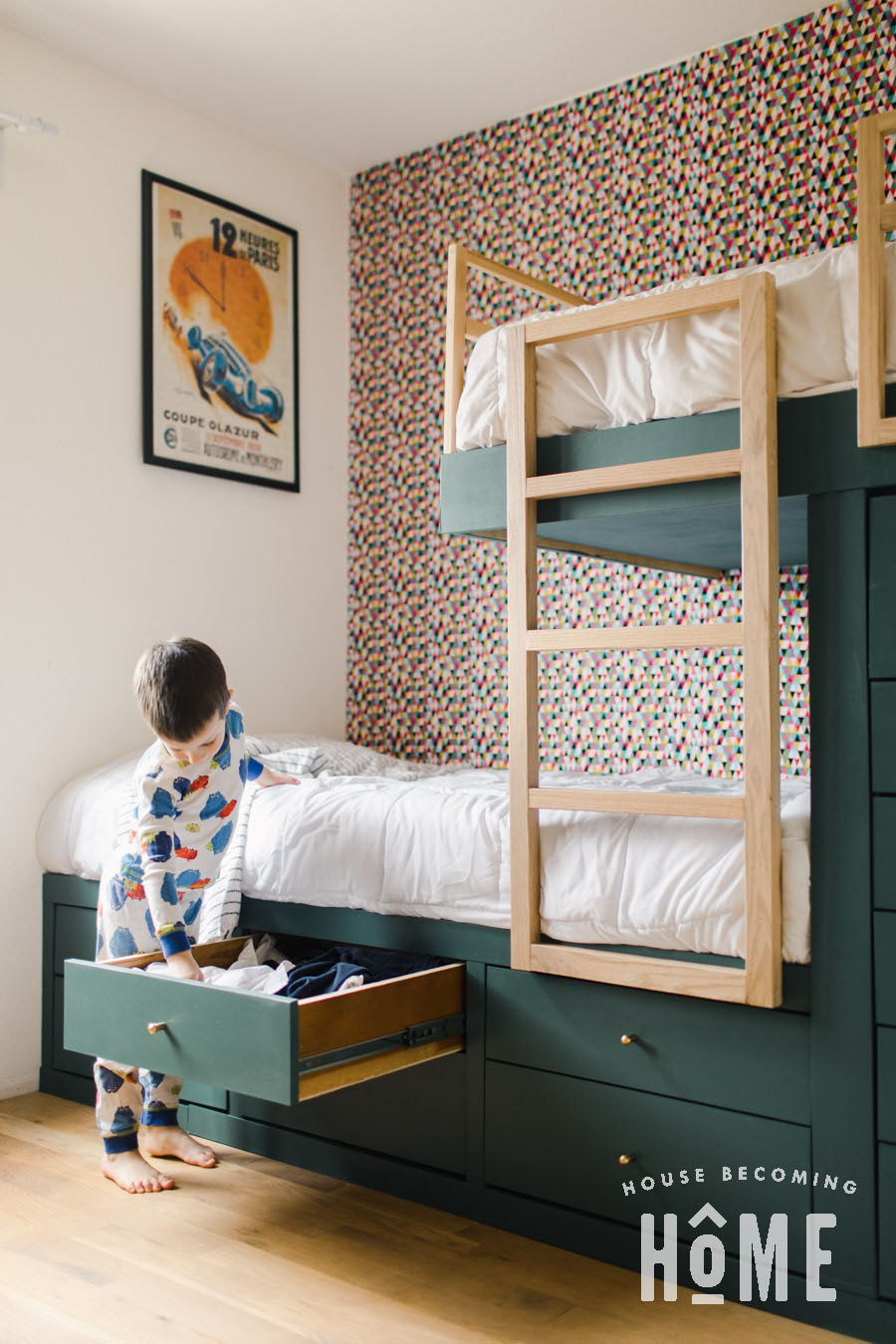 Storage Drawers in Built in Bunk Beds
