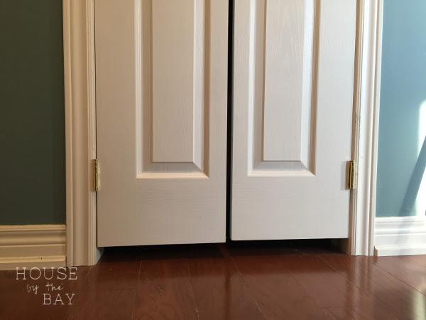 closet door gap