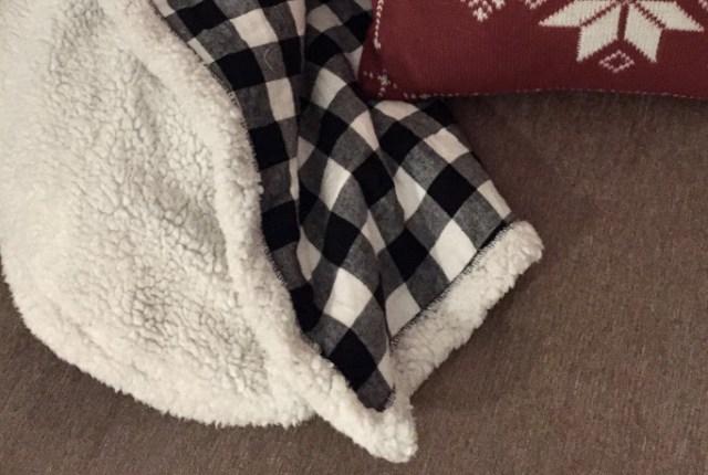 flannel cuddle throw blanket