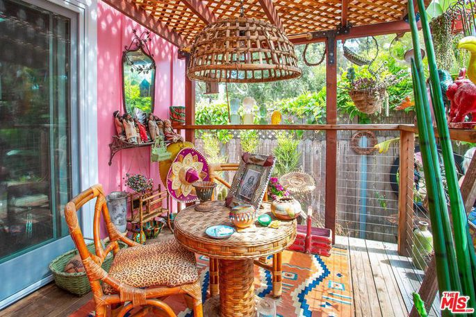 Betsey Johnson's Malibu Mobile home is for sale