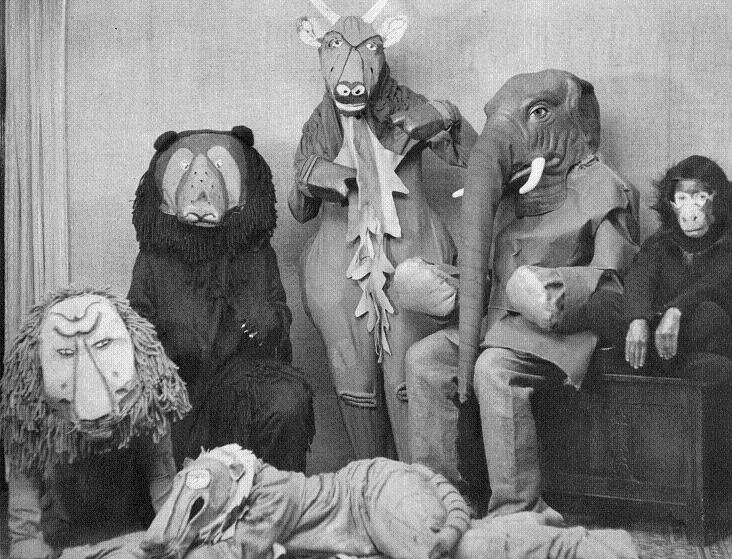 Creepy old Halloween costumes